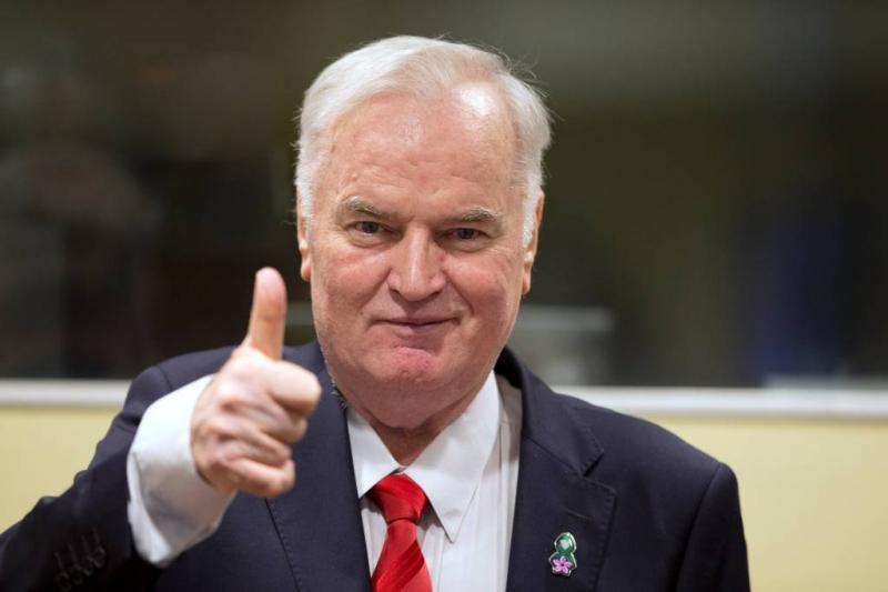Levenslang voor Mladic om genocide Srebrenica