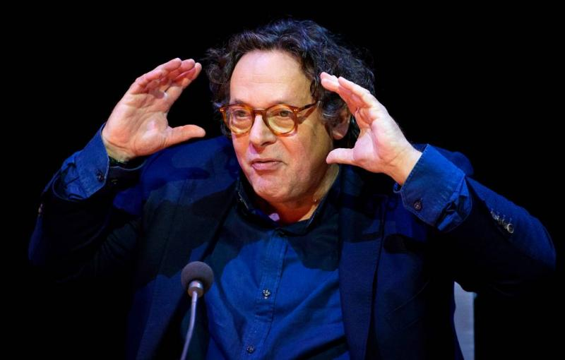 Regisseur ontkent seksuele intimidatie