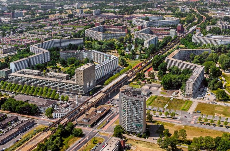 Amsterdam viert 50 jaar Bijlmer