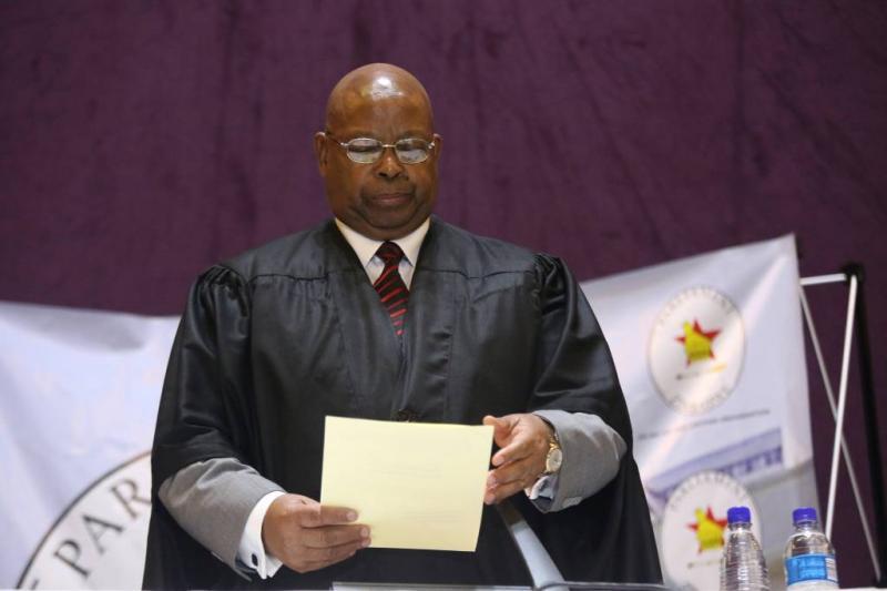 Eerste minister van Mugabe al voor de rechter