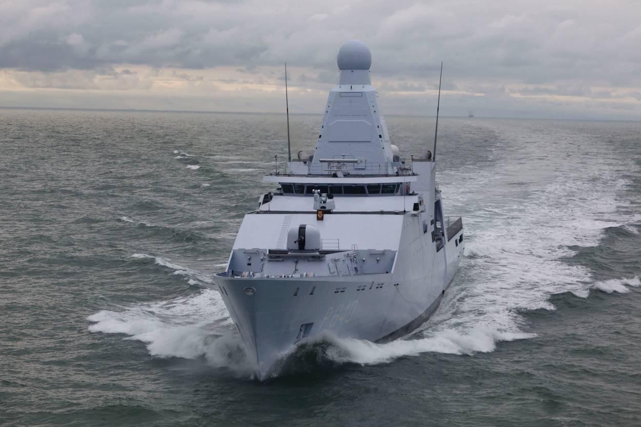 Zr Ms Holland (Foto;Ministerie van Defensie)