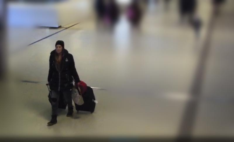 Vrouw liet kind achter op Amsterdam CS (Foto: politie.nl)