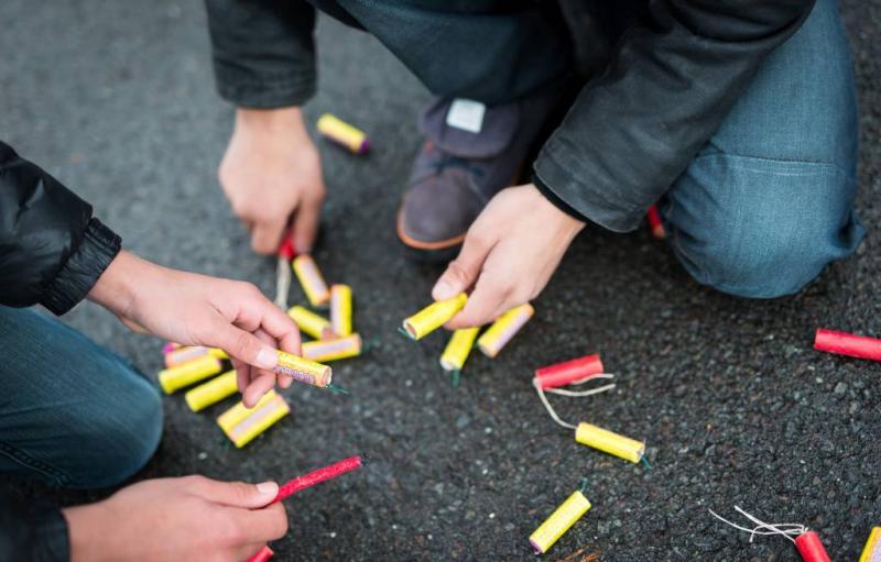 Onderzoeksraad: verbied vuurpijlen en rotjes