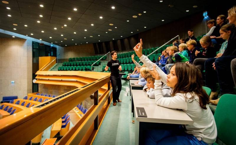 D66 wil vragenuur voor kinderen in Kamer