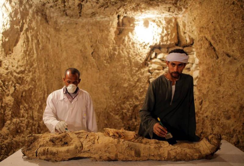 Archeologen vinden mummie in graftombe Luxor