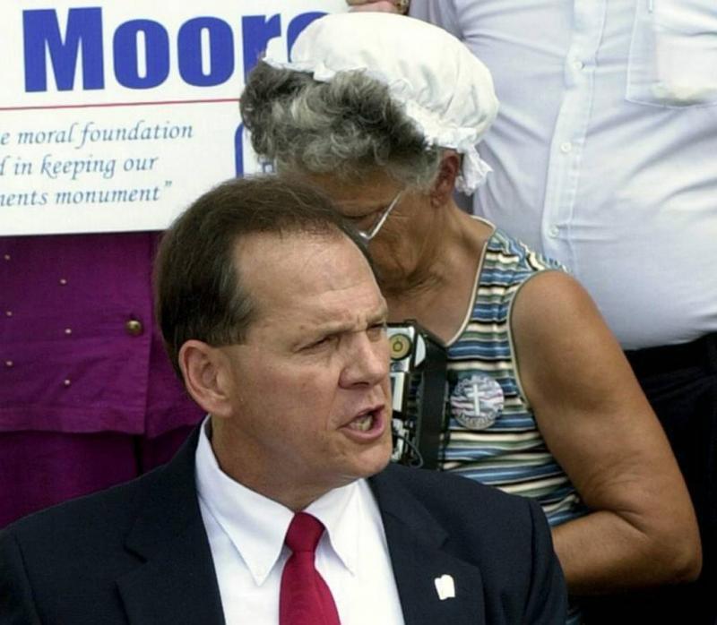 Trump voert campagne voor Moore