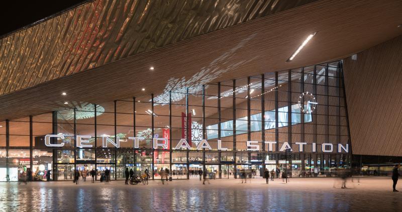 Winterse sferen op Rotterdam Centraal  (Foto: Nederlandse Spoorwegen)