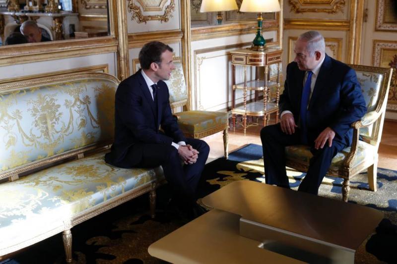 Israëlische premier trekt in Parijs van leer
