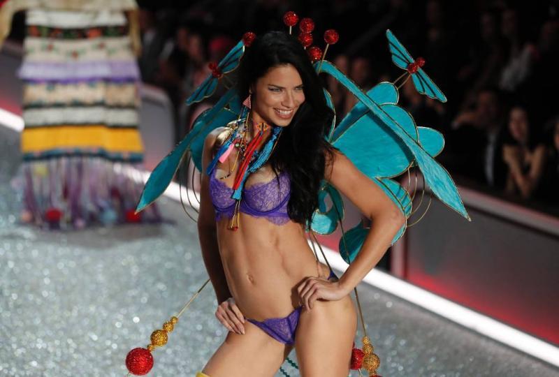 Adriana Lima wil niet meer uit de kleren gaan