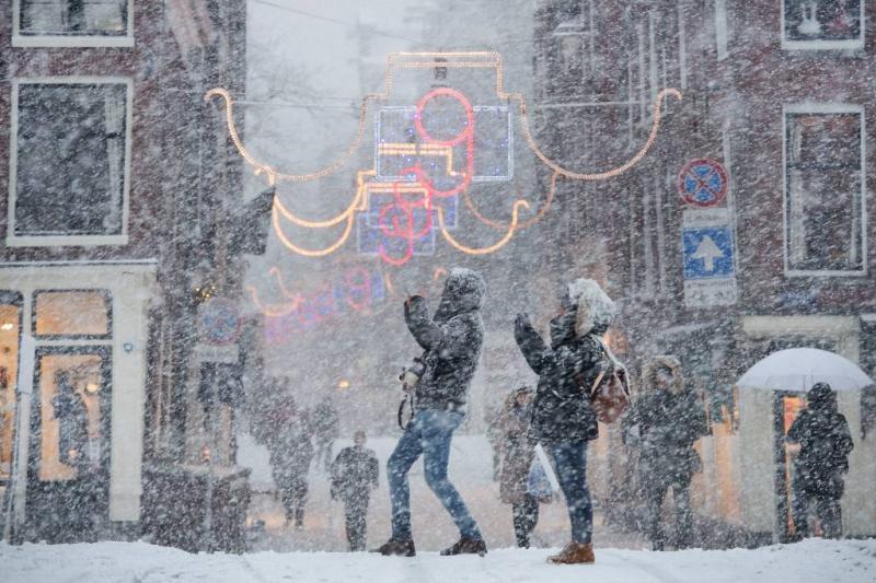 Journaals spinnen garen bij 'snowpocalypse'