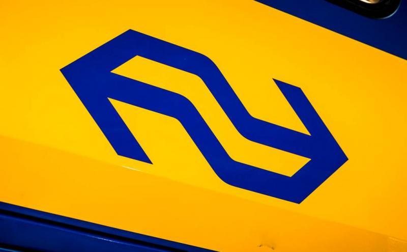 Trein botst tegen balk op spoor in Brabant