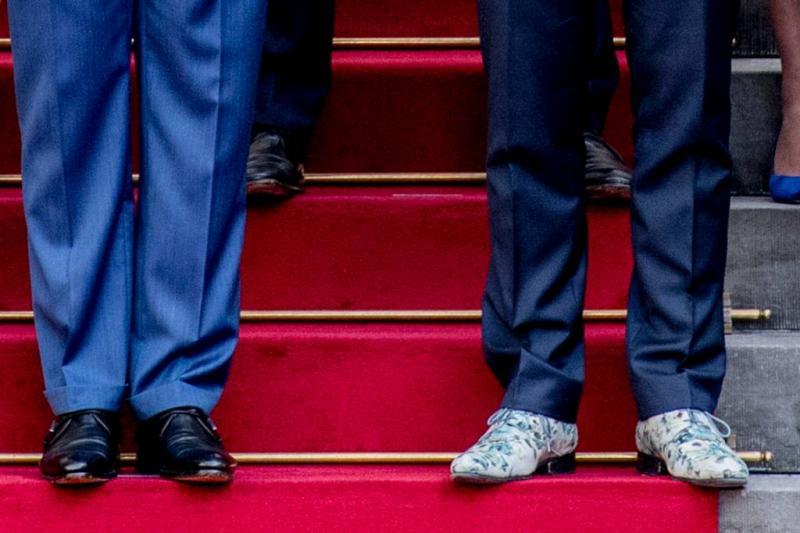 Veelbesproken schoenen van de Jonge geveild