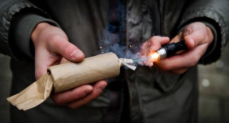 OM: gooien vuurwerk kan poging doodslag zijn