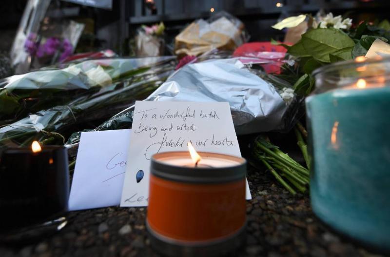 Fans herdenken George Michael op sterfdag