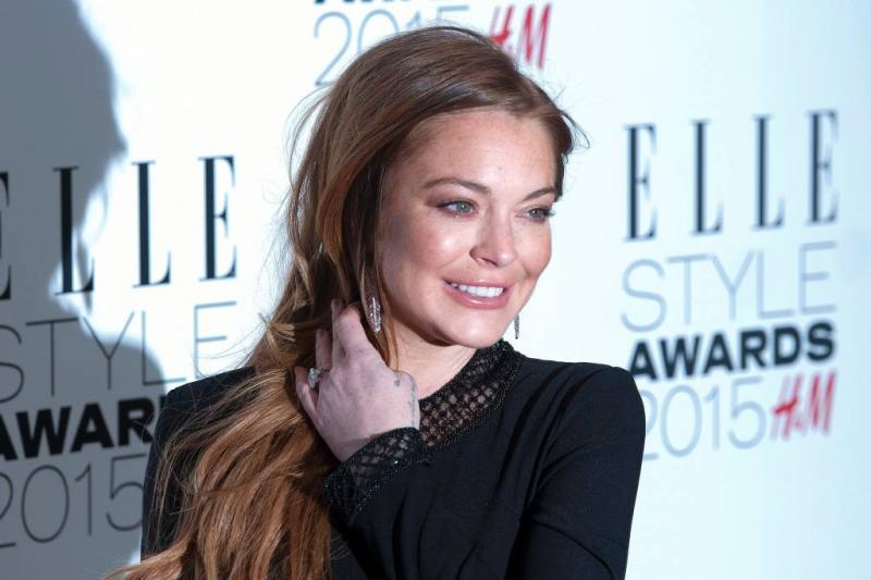 Lindsay Lohan gebeten door slang
