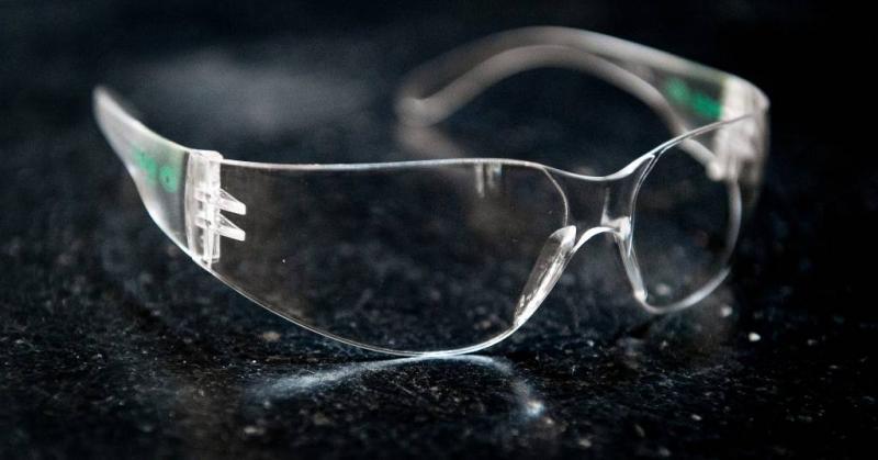 Eén keer geen vuurwerkbril, meteen blind