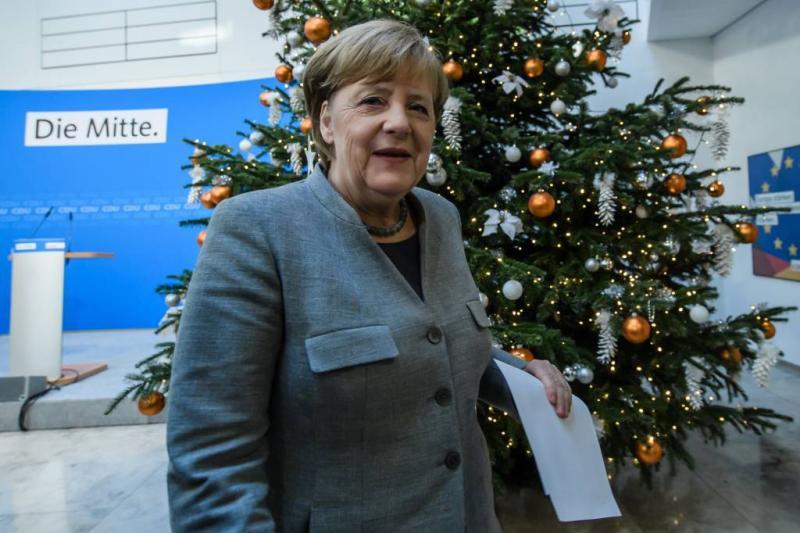 'Bijna helft Duitsers wil vertrek Merkel'