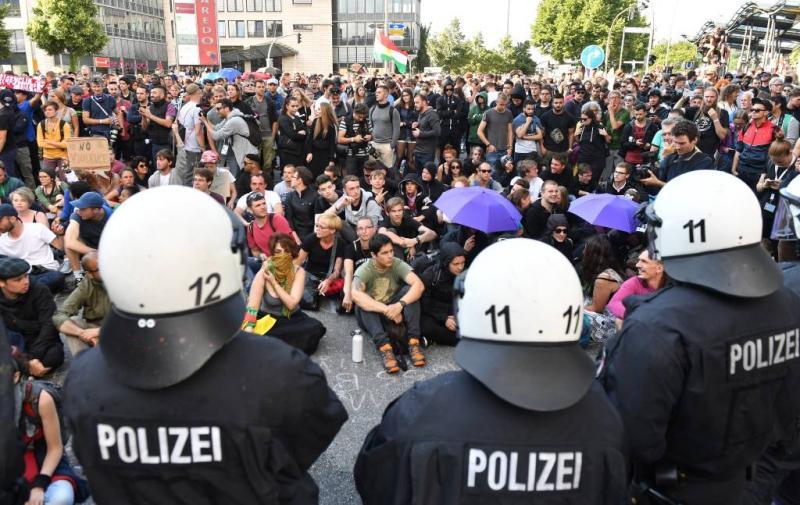 Politie achterhaalt 15 nieuwe relschoppers G20