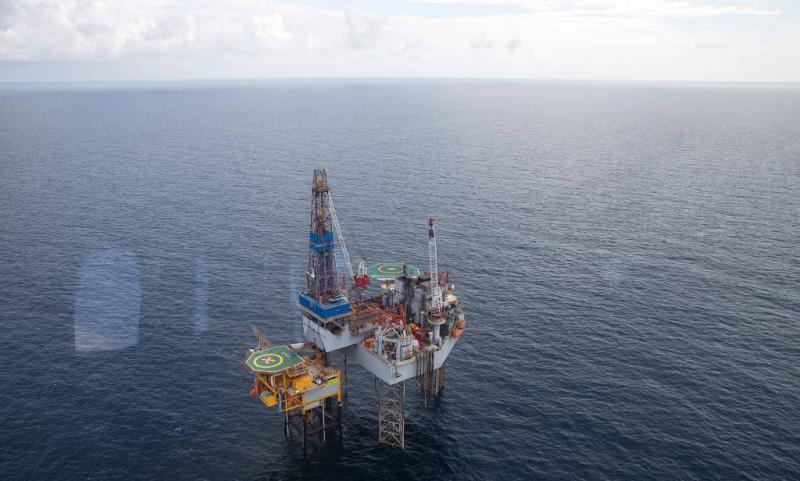 Tanker botst tegen booreiland op Noordzee