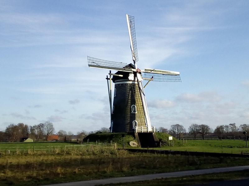 Vorige week een wandeling gemaakt bij Mill. En ik kwam deze molen tegen.  (Foto: qltel)