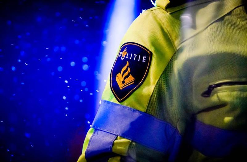 Verwarde man bedreigt agente in Rijen (Foto: ANP)