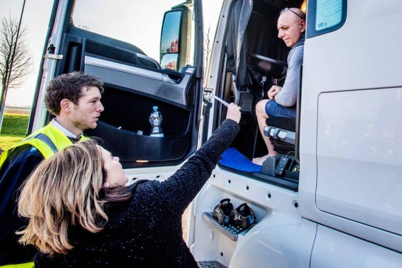 Minister maakt truckers wakker