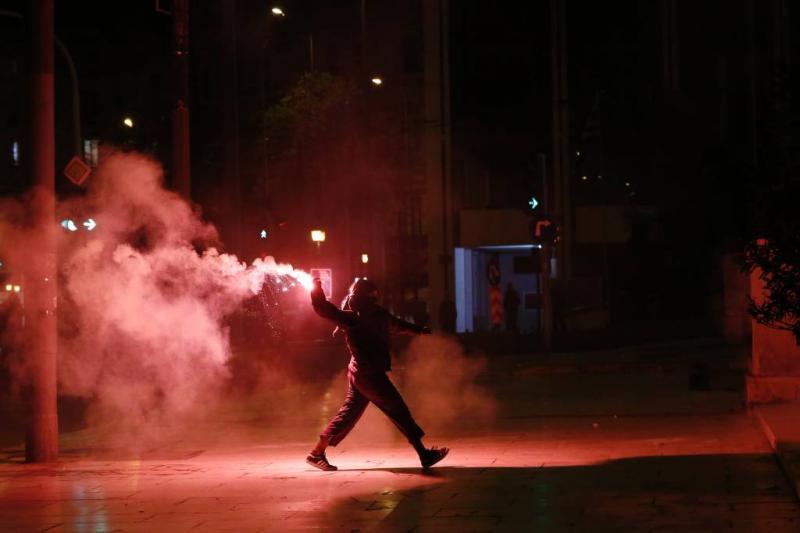 Rellen houden Griekse hervomingen niet tegen