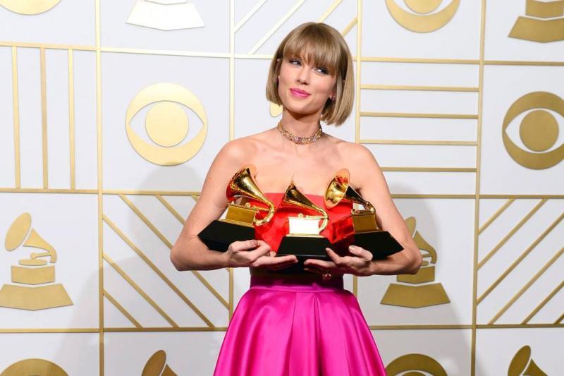 Politie waarschuwt Taylor Swift voor fan