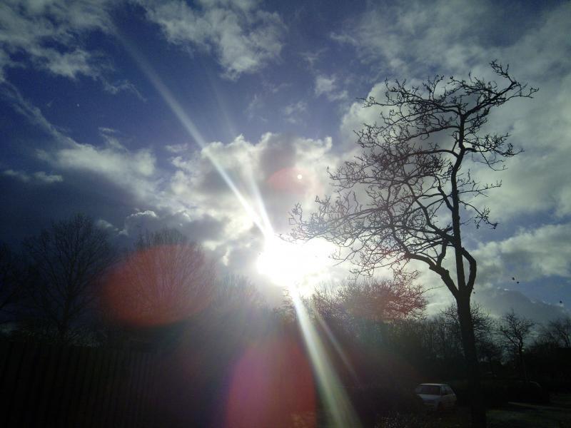 Achter de wolken schijnt de zon  (Foto: DJMO)