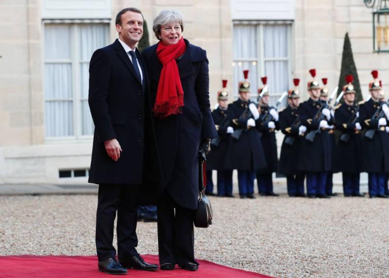 Londen gaat meer doen voor Calais-migranten