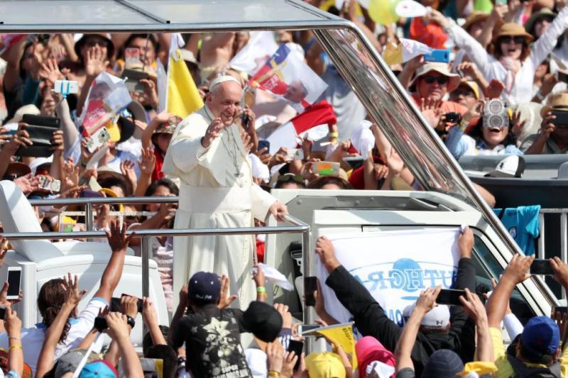 Paus Franciscus wil open deur voor migranten