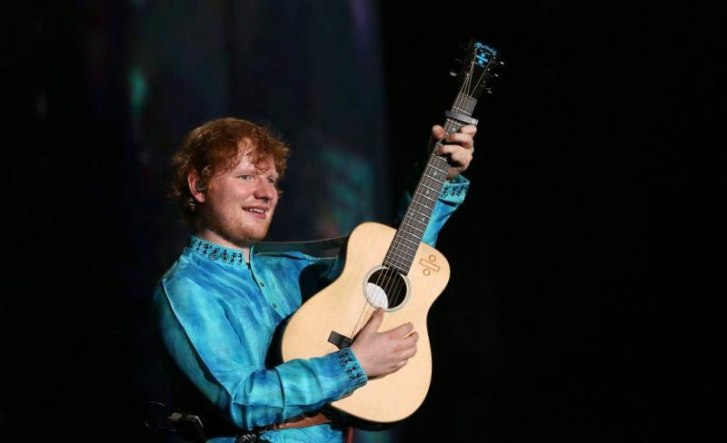 Ed Sheeran is verloofd met schoolvriendin
