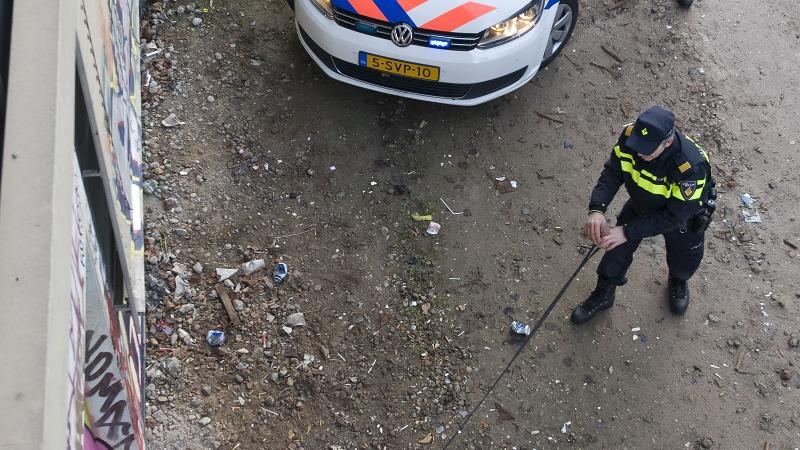 Man op galerij vanuit het niets beschoten (Foto: Stockfoto politie.nl)