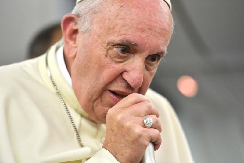 Paus verontschuldigt zich voor woordgebruik