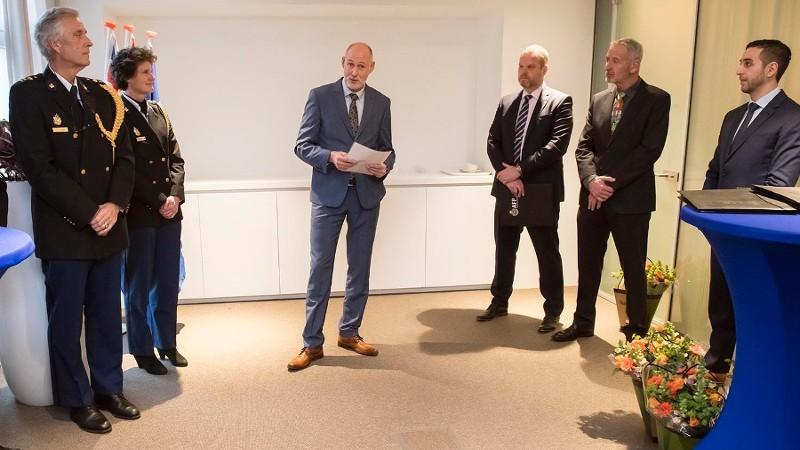 Australische onderscheiding voor kinderpornorechercheurs (Foto: Politie.nl)