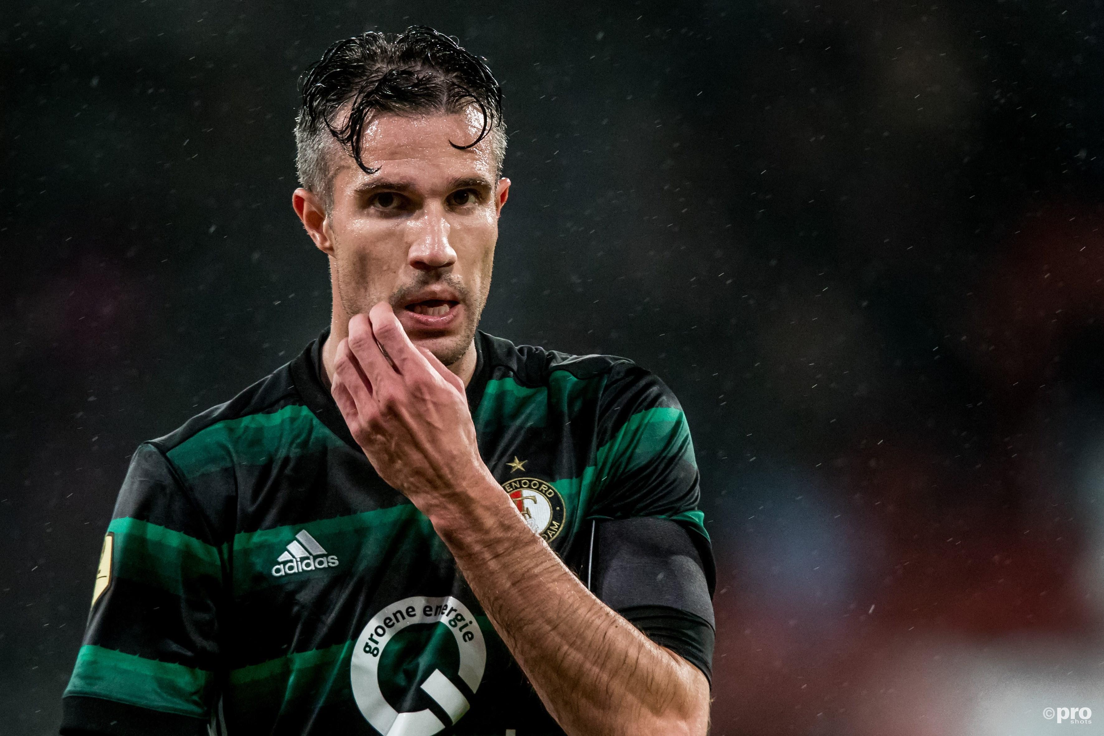 Van Persie pakt een punt bij zijn rentree in de Eredivisie. (PRO SHOTS/Kay Int Veen)
