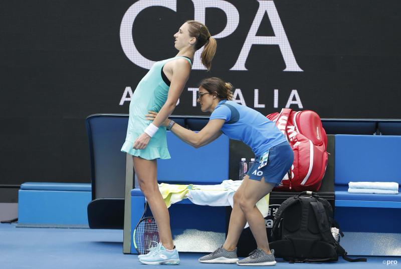 We zien hier tennister Petra Martic in haar wedstrijd tegen Elise Mertens tijdens de Australian open, maar wat is hier gaande? (Pro Shots / Action Images)