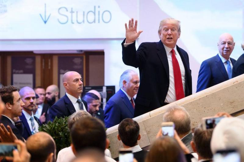 Trump ontkent ontslagplan aanklager Mueller