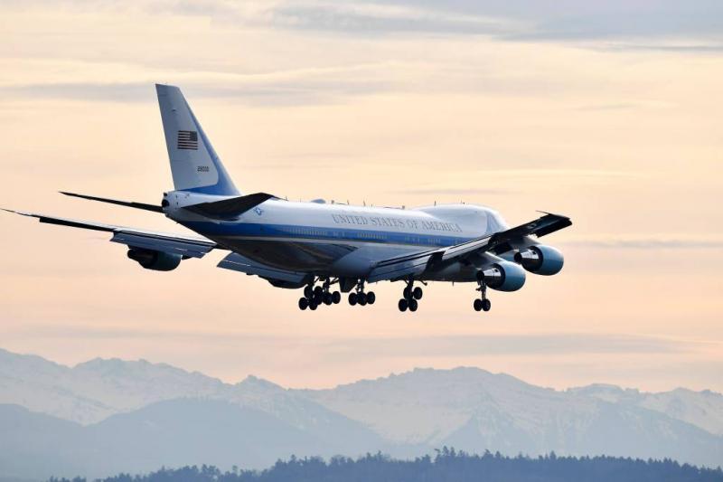 Koelkasten Air Force 1 kosten 24 miljoen