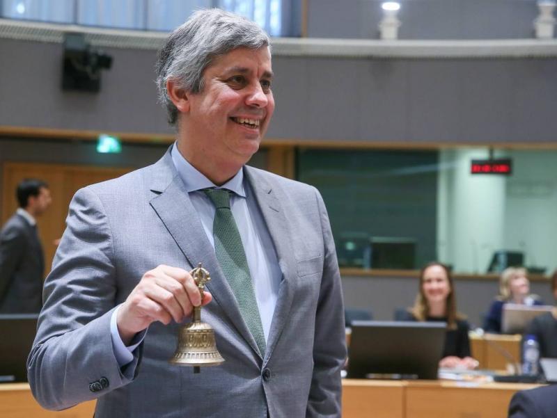 Eurogroepvoorzitter onder vuur om kaartjes