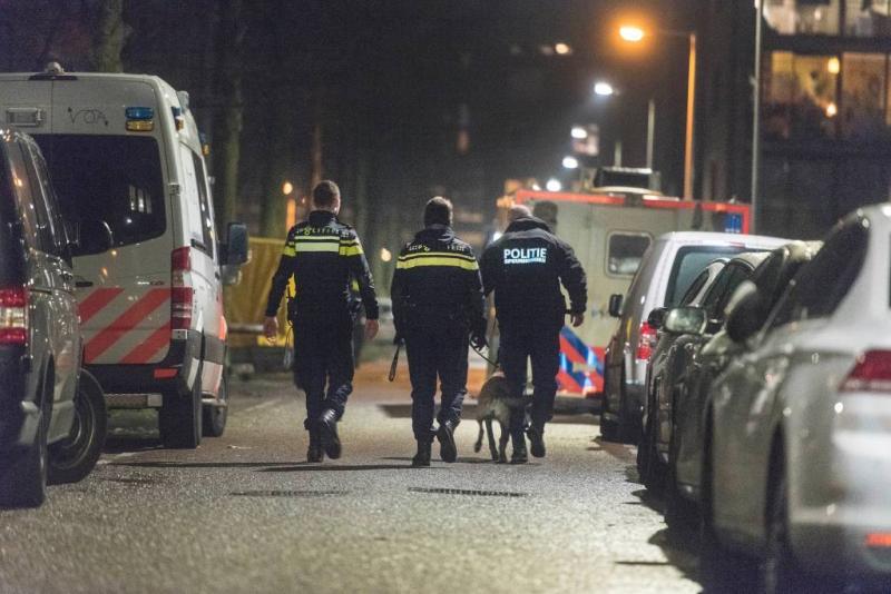 Ruim 30 man politie op schietpartij buurthuis