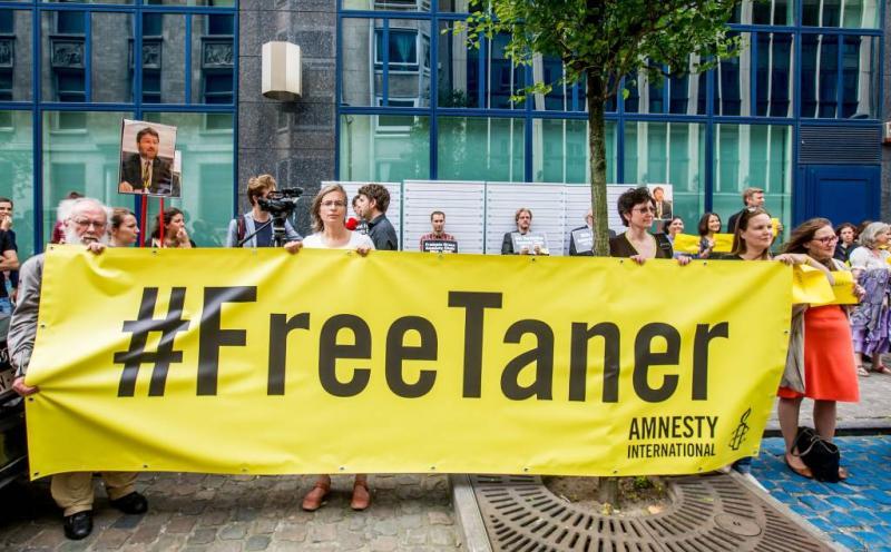 Turkse rechter laat Amnesty-voorzitter vrij