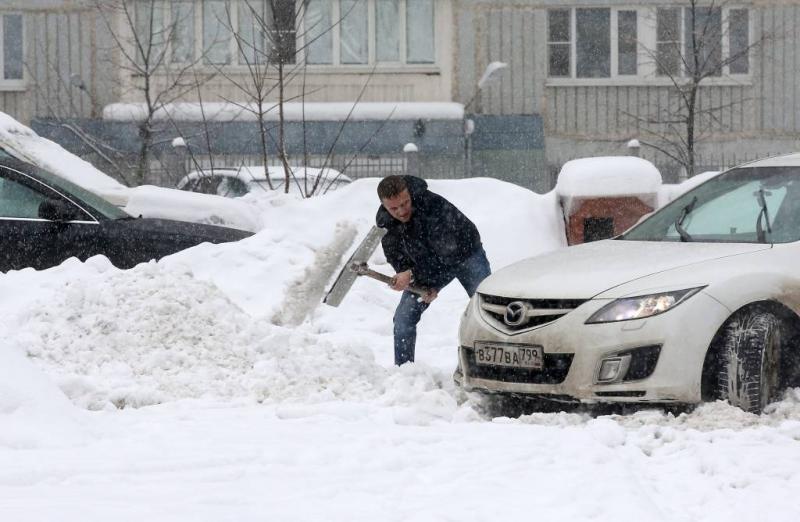 Moskou zucht onder massa's sneeuw