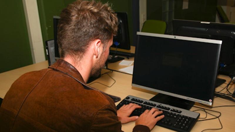 Aantal aangiften internetoplichting daalt (Foto: Politie.nl)