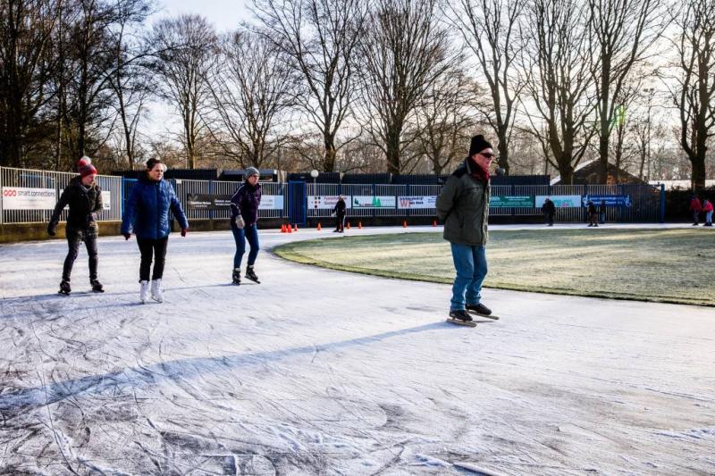 Eindelijk schaatspret op natuurijsbaantjes