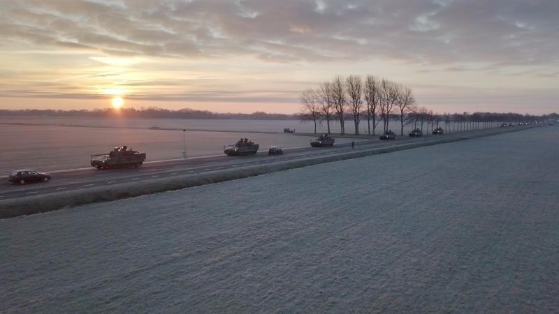 CV90's op weg naar Steenwijk (Foto: Ministerie van Defensie)