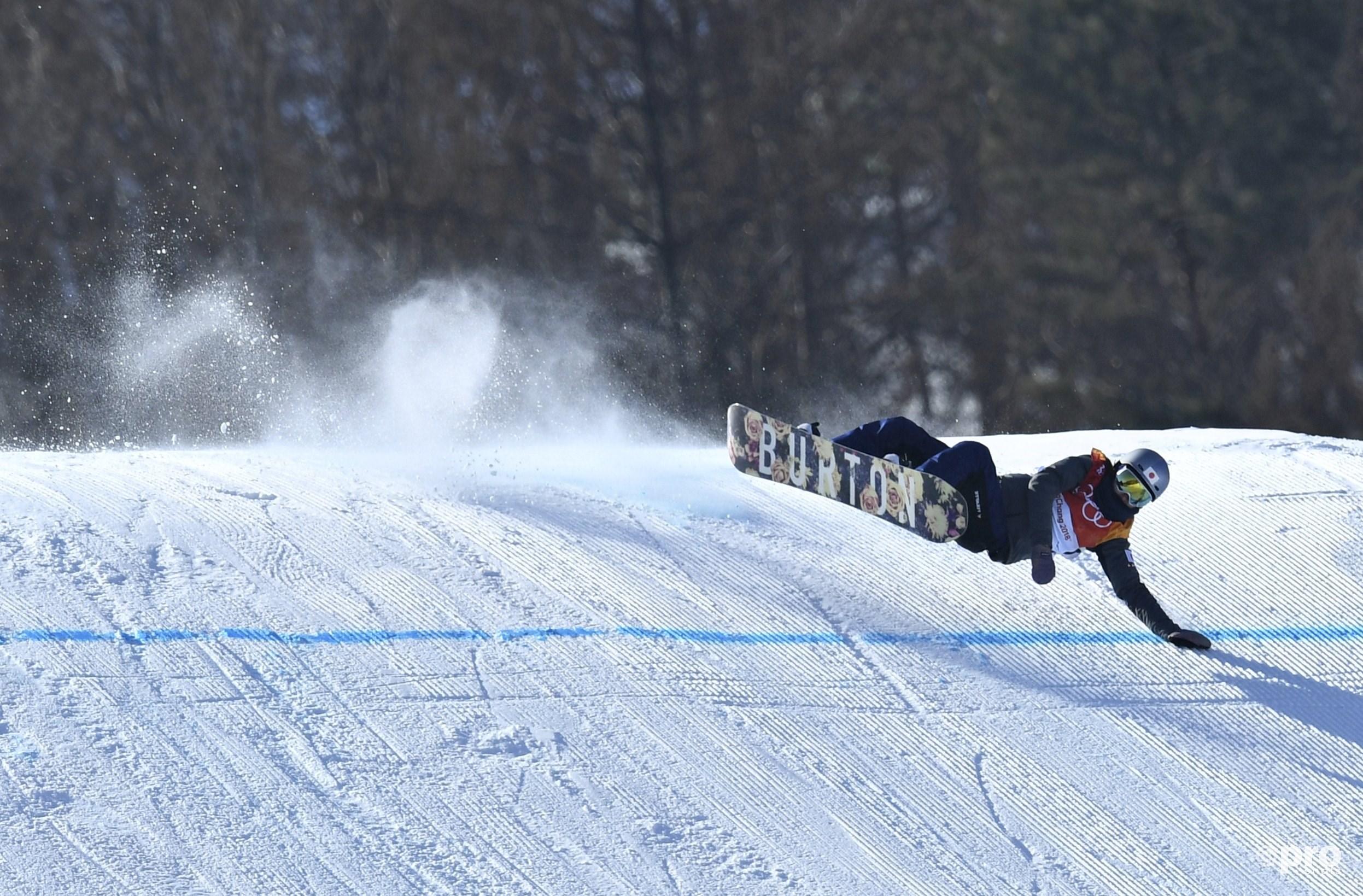 Hét beeld van de mensonterende slopestylefinale: vallende deelneemsters. Hier gaat Miyabi Onitsuka uit Japan onderuit (Pro Shots/Action Images)