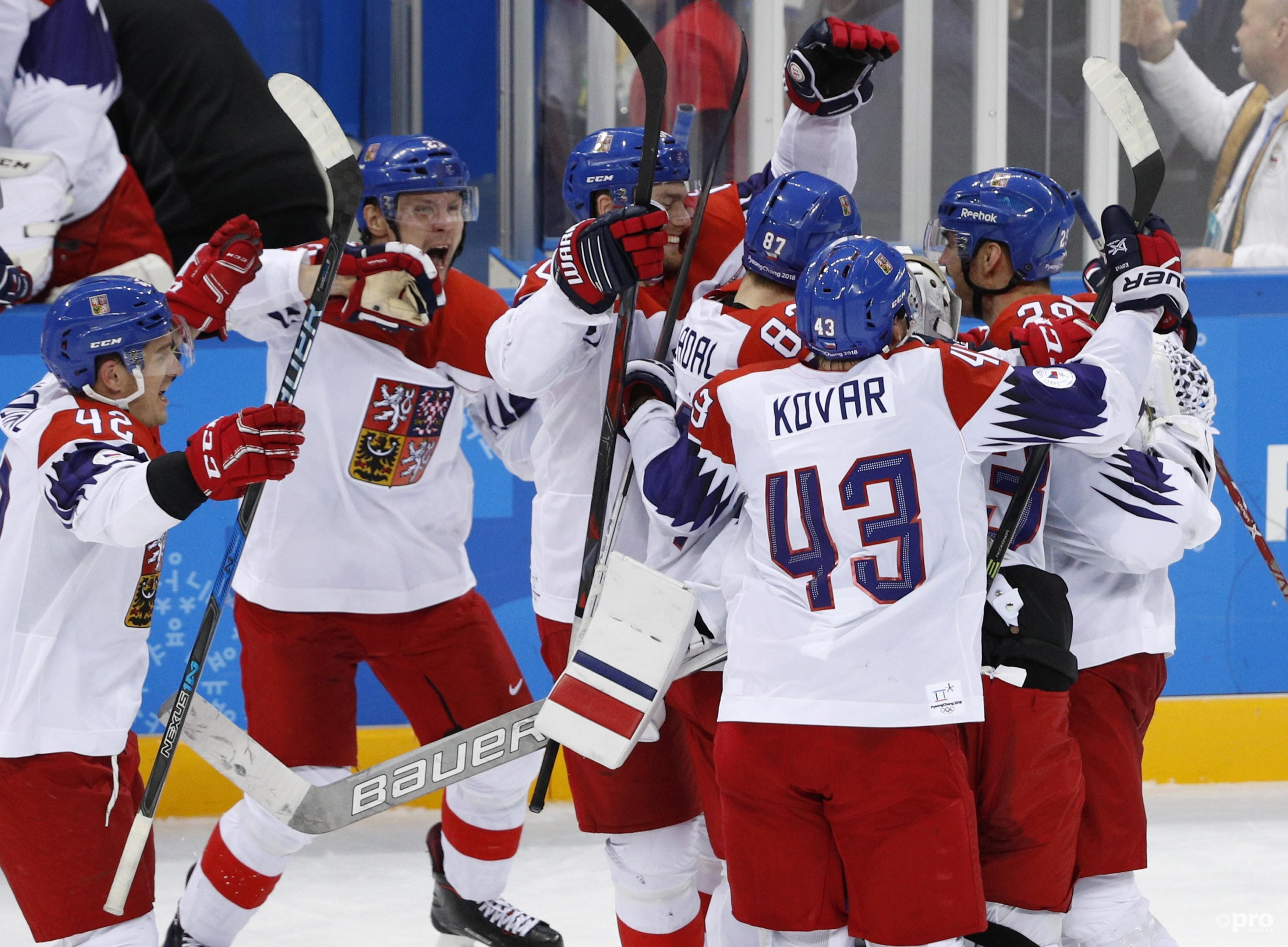 De Tsjechen schreeuwen het uit na de gewonnen shootouts (Pro Shots/Action Images)