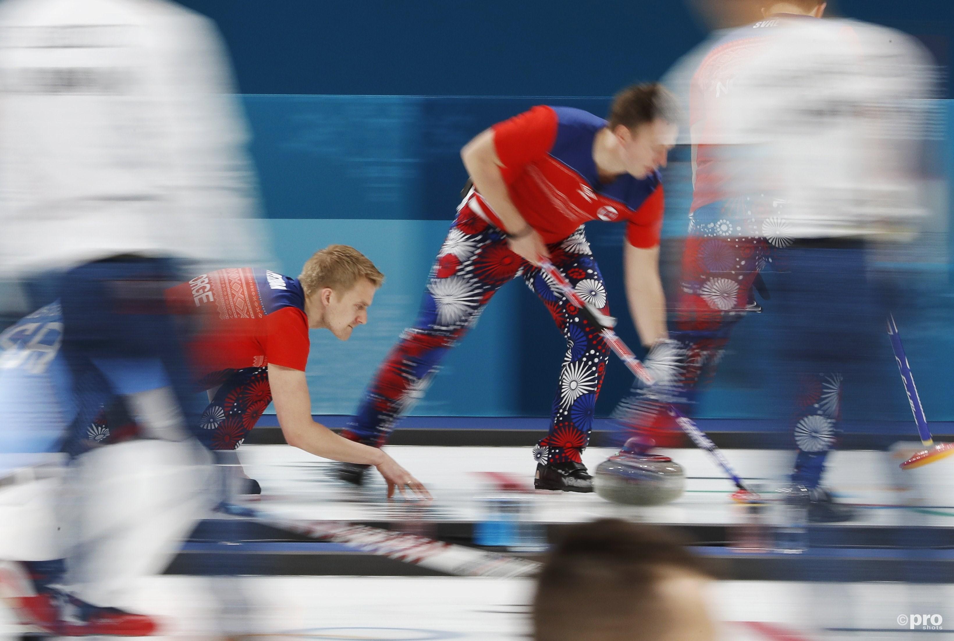 De Noren en hun kekke broeken vielen dit keer tenminste ook op met het resultaat (Pro Shots/Action Images)
