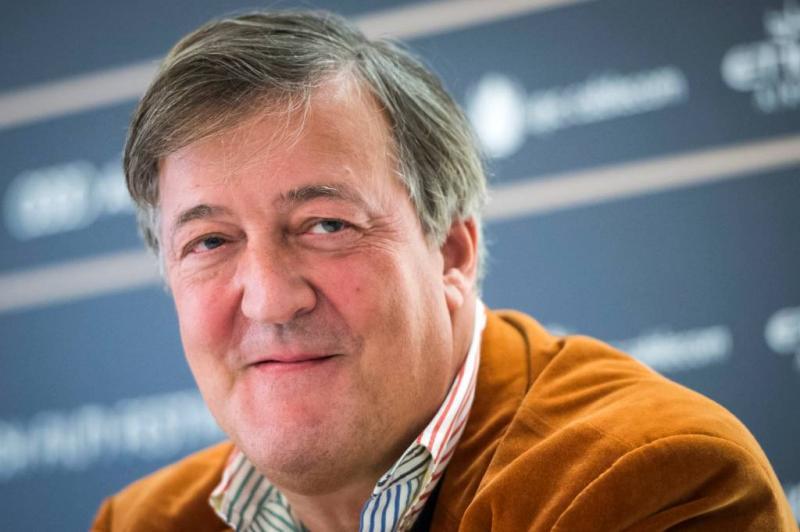 Stephen Fry herstellende van prostaatkanker